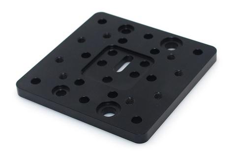 czarny-poliamid-obrobka